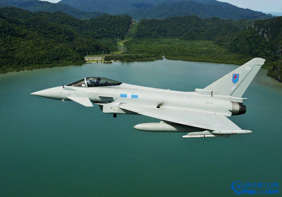 欧洲台风战斗机