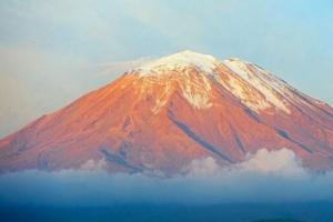 世界上最高的活火山,海拔高达6739米