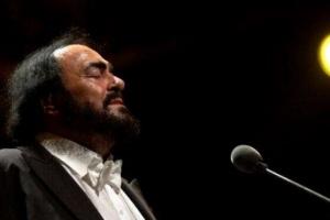 """世界三大男高音:卢恰诺·帕瓦罗蒂被誉为""""高音之王"""""""