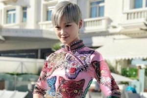 李宇春旗袍装亮相 卓伟为何放弃跟拍李宇春