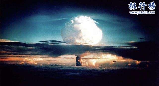 """世界上最厉害的4种武器:未来武器""""黑洞炸弹""""威力远超原子弹"""