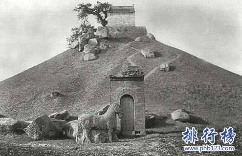 中国骑兵战三天才:一个二十四岁病死另一个被冤杀遗恨千年