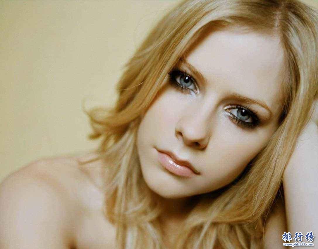 世界上最美的眼睛颜色:拥有紫色眼睛的人全球只有600个