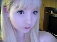 世界上最白的人,英国18岁少女维纳斯·巴勒莫(白化病萝莉)
