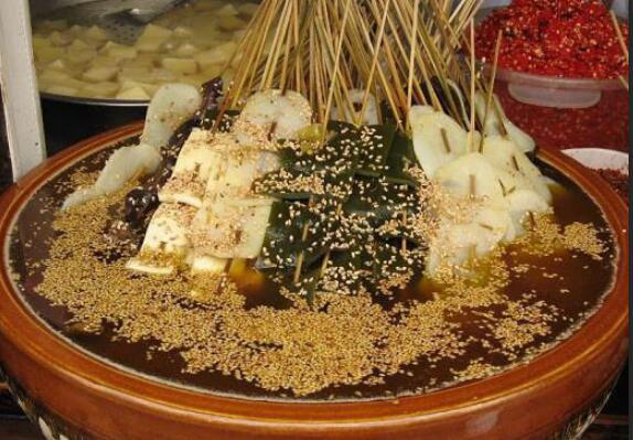 小吃多不贵的十大旅游城市 武汉仅第三,第一小吃多且便宜